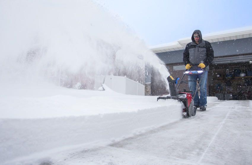 Toro 60V Power Clear Snow Blower